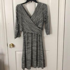 Criss-cross v-neck knee length dress